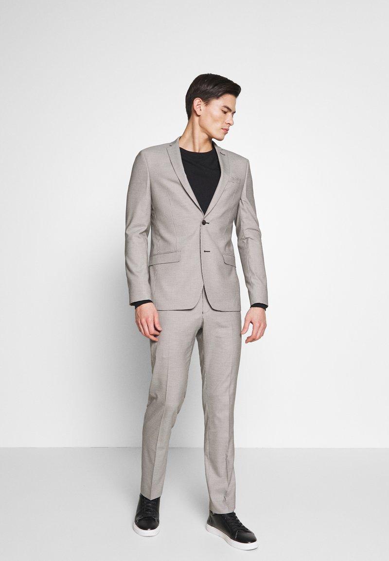 Ben Sherman Tailoring - PUPPYTOOTH SUIT - Suit - mustard