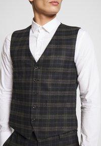 Ben Sherman Tailoring - BRUSHED WAISTCOAT - Väst - black - 4