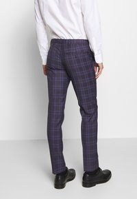 Ben Sherman Tailoring - CHECK SUIT SKINNY FIT - Kostym - purple - 5