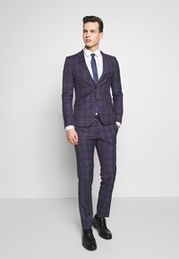 Ben Sherman Tailoring - CHECK SUIT SKINNY FIT - Suit - purple