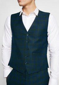 Ben Sherman Tailoring - SHADOW CHECK WAISTCOAT - Waistcoat - blue - 4