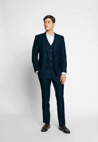 Ben Sherman Tailoring - SHADOW CHECK WAISTCOAT - Waistcoat - blue - 1
