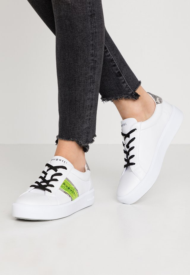 KELLI - Sneaker low - white