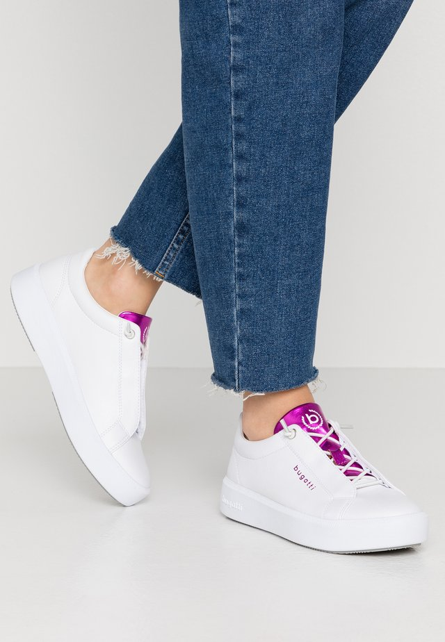 KELLI - Sneakers basse - white/pink