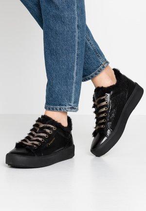 KELLI - Sneaker low - black