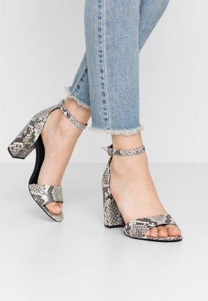 SILVANA  - Sandaler med høye hæler - grey
