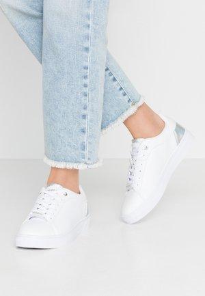 ELEA - Baskets basses - white/silver