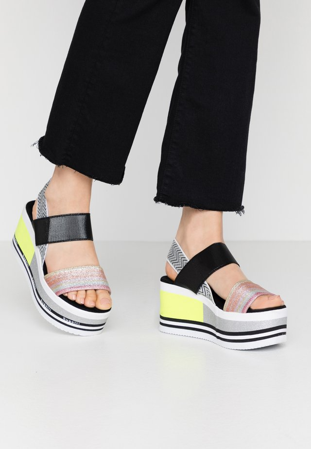 CHAI - Korkeakorkoiset sandaalit - multicolour/silver