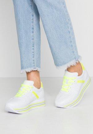 LIAN - Baskets basses - white / yellow