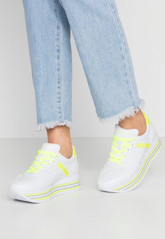 LIAN - Sneakersy niskie - white / yellow