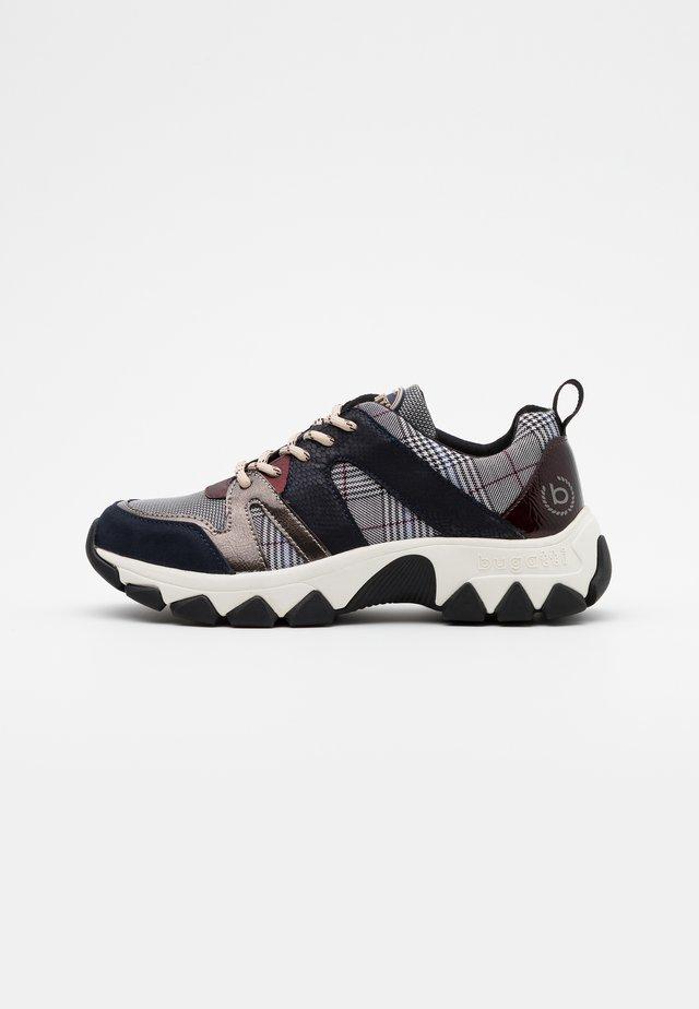 YUKI - Sneakersy niskie - dark blue/grey
