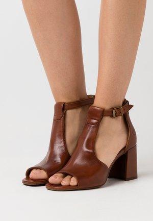 ROSELLA - Sandals - cognac