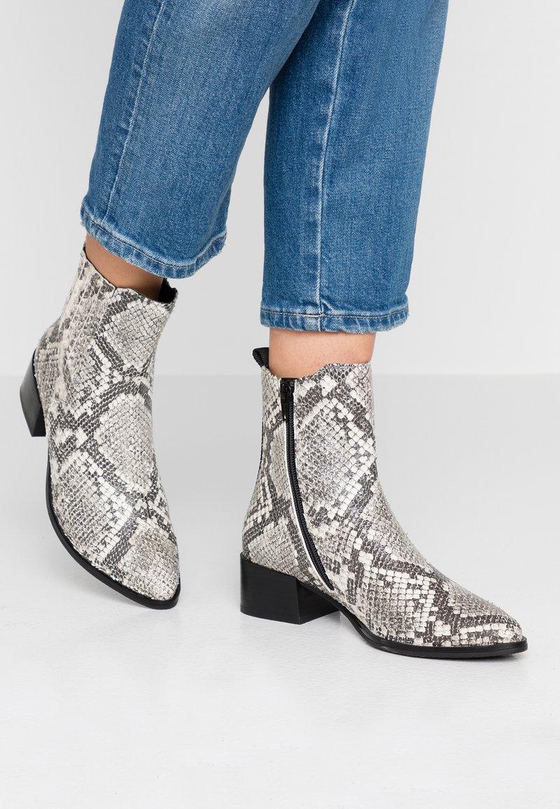 Bugatti - SUSANNA - Ankle boots - grey