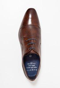 Bugatti - MORINO - Elegantní šněrovací boty - brown - 1