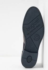 Bugatti - FEDELE - Šněrovací boty - grey/blue - 4