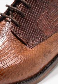 Bugatti - LUANO - Derbies - cognac/brown - 5