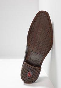 Bugatti - FERNAN - Klassiset nauhakengät - brown - 4