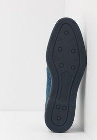 Bugatti - MELCHIORE - Eleganckie buty - blue - 4