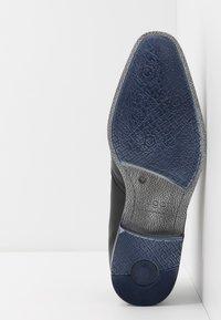 Bugatti - MORINO - Zapatos de vestir - black - 4