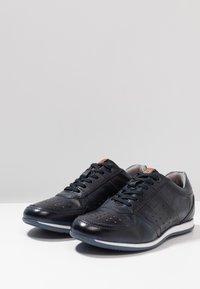 Bugatti - TOMEO - Trainers - dark blue - 2