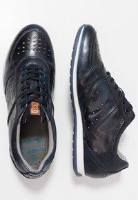 Bugatti - TOMEO - Trainers - dark blue - 1
