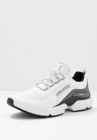 Bugatti - SETER - Trainers - white - 2