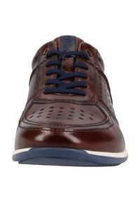 Bugatti - Sneakersy niskie - brown - 5