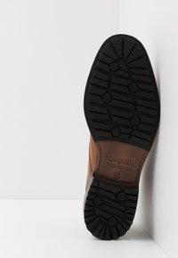 Bugatti - RELIAS EVO - Sznurowane obuwie sportowe - cognac - 4