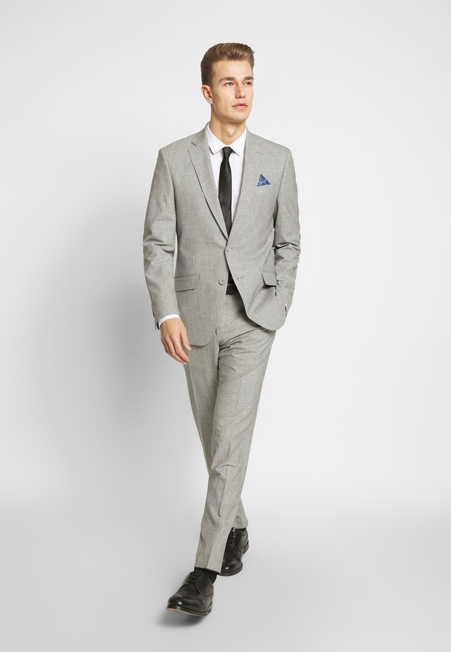 SUIT - Puku - grey