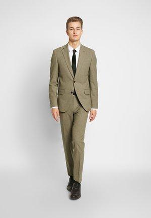 SUIT - Suit - brownish