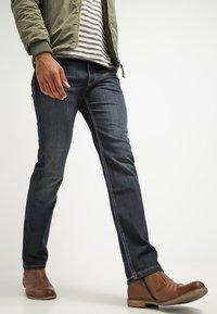 Bugatti - NEVADA - Straight leg jeans - dirty wash - 3