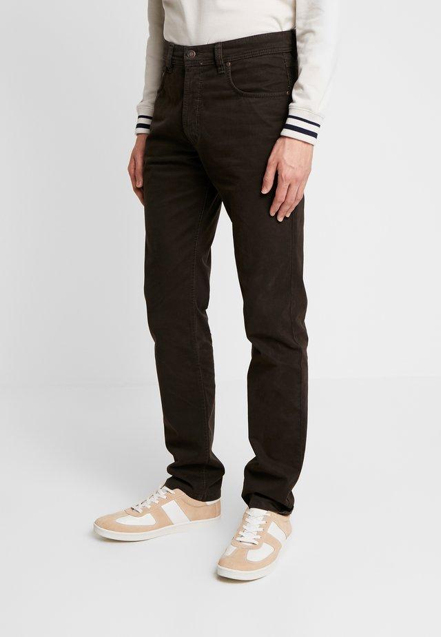 FIVE-POCKET - Spodnie materiałowe - dark brown