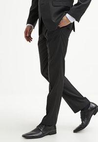 Bugatti - Pantalon de costume - black - 3