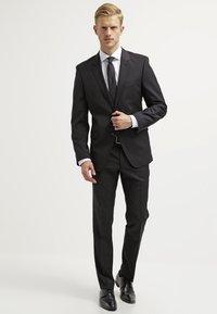 Bugatti - Pantalon de costume - black - 1