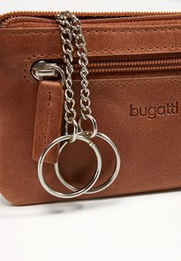 Bugatti - VOLO KEY CASE - Key holder - cognac/cognac - 5