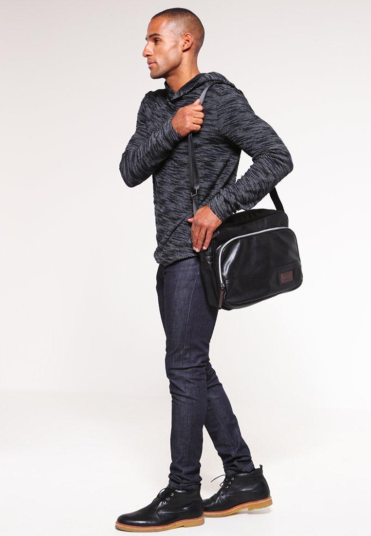 Bugatti - Across body bag - schwarz