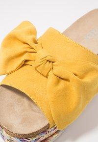 Bullboxer - Slip-ins med klack - yellow - 2