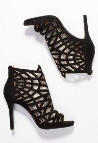 Bullboxer - High heeled sandals - black - 3