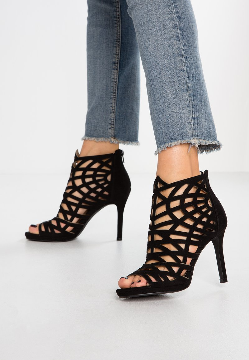 Bullboxer - High heeled sandals - black