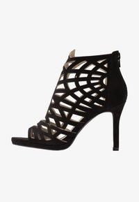 Bullboxer - High heeled sandals - black - 1