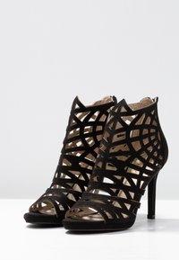 Bullboxer - High heeled sandals - black - 4