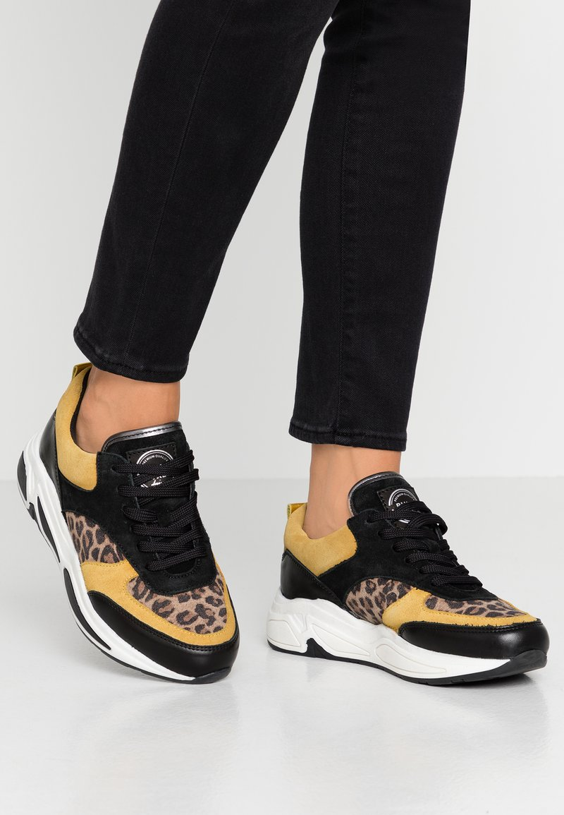 Bullboxer - Sneakers - black/yellow