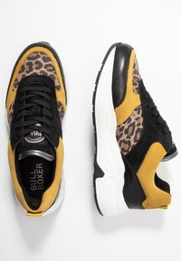 Bullboxer - Sneakers - black/yellow - 3