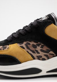 Bullboxer - Sneakers - black/yellow - 2