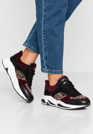 Sneakers laag - black/wine