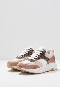 Bullboxer - Sneakers laag - light pink - 4