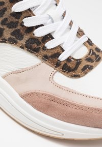 Bullboxer - Sneakers laag - light pink - 2
