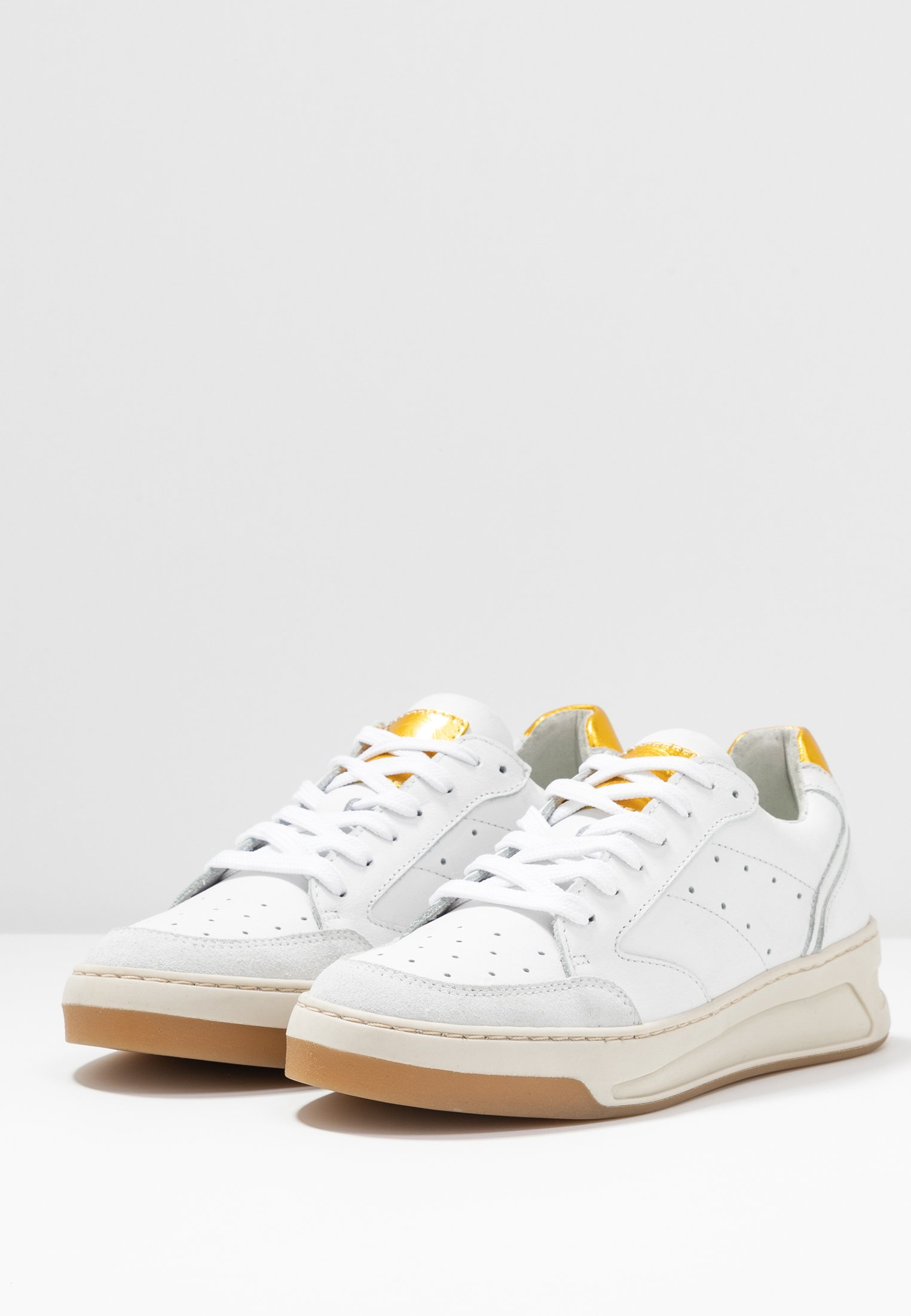Bullboxer Baskets basses - white/yellow