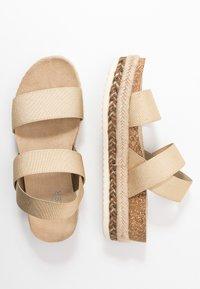 Bullboxer - Platform sandals - platinum - 3