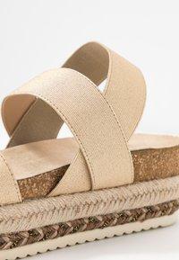 Bullboxer - Platform sandals - platinum - 2